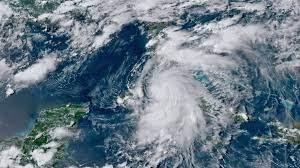 Elsa regains hurricane strength as ...
