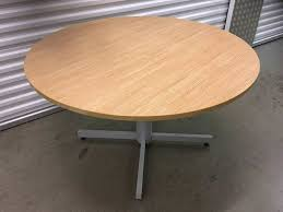 strong round table free delivery