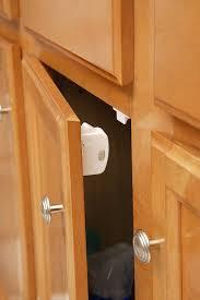 Amazon.com : Safety 1st Magnetic Cabinet Locks, 4 Locks + 1 Key ...