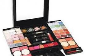 set chanel makeup collection setunique gifts marie claire previous next chanel makeup kit