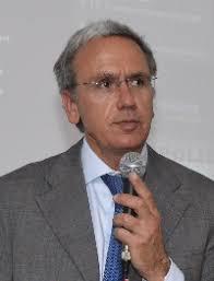 Docente/Teacher: Guido DE MATTEIS. Qualifica/Position: Professore Ordinario. Curriculum: http://dima.uniroma1.it/users/ingaero/joomla/Documenti/Perso. - De%2520Matteis%2520(200%2520x%2520261)