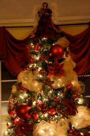 Decorating Christmas Tree With Balls Decorations Delightful Indoor Christmas Lights Decorating Ideas 74