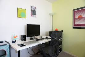 linnmon adils desk setup from ikea