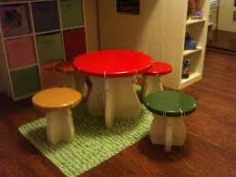diy kids mushroom table and toad stools this would be so cute outside near their fairy garden