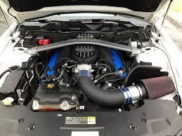 Ford Performance Mustang BOSS 302 Intake Manifold Install Kit M ...