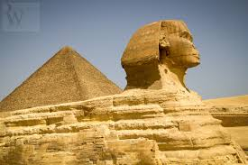 the pyramids of giza a photo essay giza pyramids travel tourism archaelogy sphinx carrying pyramid blue sky the pyramids of giza