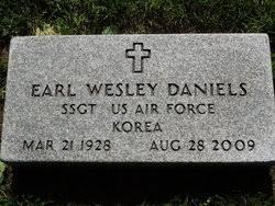 Earl Wesley Daniels (1928-2009) - Find A Grave Memorial