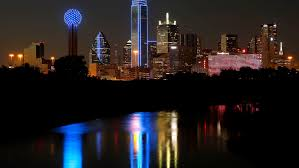 Downtown Dallas Purple Lights What Colors Would You Light Downtown Dallas Tallest Tower