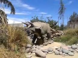 The enclosures do a great job of getting you close to the animals. Dinosaurios Zoologico Buin Zoo Chile Youtube