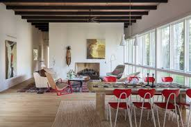 the home s owners patti weinberg and scott frances later replaced the living room rug
