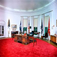 oval office rugs. while she and jfk were in texas jackie used the away time to have a new red rug installed oval office when returned on it was place rugs