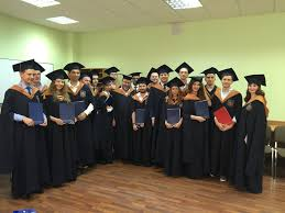 Дипломы бакалавров вручили выпускникам программы Банковское дело  29 июня в Банковском институте состоялось вручение дипломов выпускникам программы бакалавриата Банковское дело Дипломы бакалавра по направлению