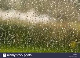 Regen Läuft Das Fenster Stockfoto Bild 1484965 Alamy