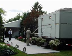 luxury portable toilets for rent. easily accomodates over 400 guests luxury portable toilets for rent