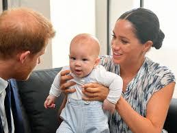 Lili is the first of the queen's. Royals Meghan Lastert Uber Kate Und Verrat Sensationelle Baby Plane Der Royals Boulevard