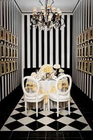 Classic black and white decor. Photo by Bludoor Studios. www.wedsociety.com