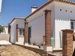 Uma cor que proporciona um toque moderno e contemporâneo ao seu jardim. Refª 605 Tijolo Curvo Para Revestimento De Pilares Redondos Terracota Do Algarve