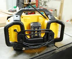 dewalt 20v radio. the dcr025 runs on any dewalt 20v max or 20/60v flexvolt battery ac power. consistent with powered radio/charger, play time depends dewalt 20v radio