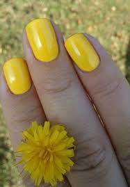 žlutý Lak Na Nehty Essence