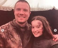 17 yaşındaki ramsey, game of thrones dizisinde lyanna mormont karakterine hayat vererek dikkatleri üzerine çekmişti. 23 Pictures Of Bella Ramsey Irama Gallery
