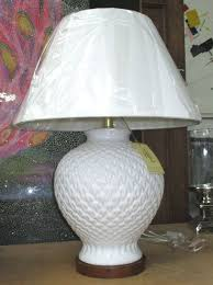 lot 186 ralph lauren home table lamp white baer form with repeating pattern
