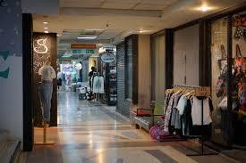 ประตูน้ำ ตึกใบหยก 2 แหล่งเสื้อผ้าขายปลีก - ส่ง ที่หลายคนไม่รู้จัก - Pantip