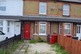 2 Bedroom Terraced House To Rent   Stoke Road, Slough, Berkshire. SL2 5BQ