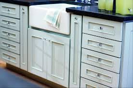 glass kitchen cabinets knobs in situ
