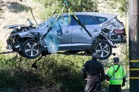 Politie brengt Tiger Woods op de hoogte van oorzaak ernstig auto-ongeluk |  Foto