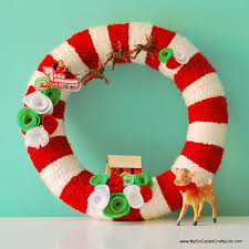 67 DIY Christmas Wreaths  How To Make A Holiday Wreath CraftEasy To Make Christmas Crafts