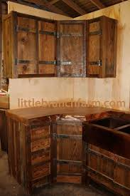 Rustic Kitchen Cabinets 2