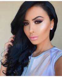 and this look from makeup artist amrezy is giving us a beautiful early taste of spring
