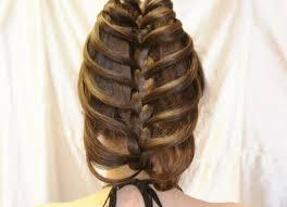 まとめ髪でポニーテールヘアアレンジ
