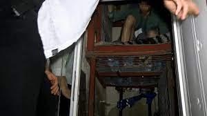 Şirinler' çetesinin 1 aydır çelik kafeste hapsettiği 2 kişi kurtarıldı -  Sputnik Türkiye