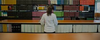 UW student pharmacists train in our Bracken Pharmacy Learning Center lab