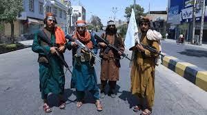 أفغانستان.. كرزاي يجتمع بمسؤول طالبان لبحث أمن كابل