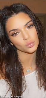 kendall jenner also has her makeup done by ariel who ever ariel is i like her style gorgeous makeup