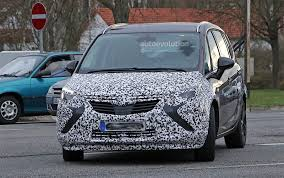 Opel Zafira Facelift Spied with Revealing Camouflage - autoevolution