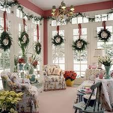 20 tips for saving money on christmas decorations