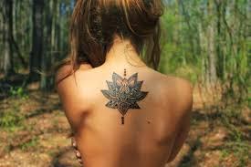 красивые девушки со спины с татуировкой татуировки 18 фото