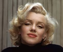 Marilyn Monroe Biography - Childhood, Life Achievements & Timeline