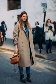 how to wear a trench coat like the fashion crowd