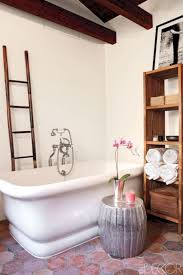 15 Bathroom Decorating Ideas You Can Have at Home - Futurist ...