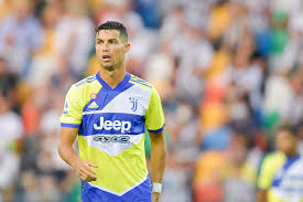Manchester united's players have been reacting to the news that they are set to be joined at old trafford by cristiano ronaldo. Gbuddcds6iducm