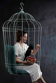 a life size bird cage where you can sit relax and dream