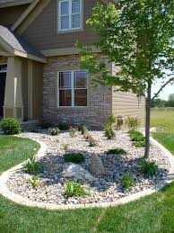 Rock Garden Bed Best 25 Rock Flower Beds Ideas On Pinterest Rock