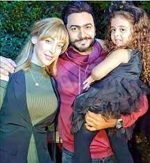 Syrian Stars - الفنان تامر حسني وزوجته وأبنته 😍 مين بتشبه بنتو