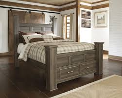 Juararo Queen Poster Bed with Storage