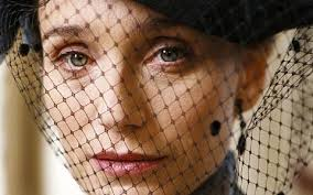 Kristin Scott Thomas in una scena di Arsène Lupin. Kristin Scott Thomas in una scena di Arsène Lupin. < Precedente | Successiva > - kristin-scott-thomas-in-una-scena-di-arsene-lupin-15562