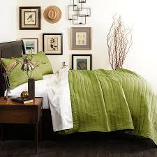 green crinkle quilt set